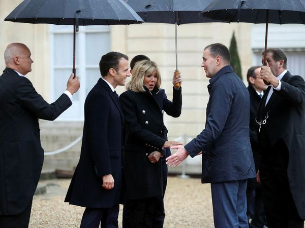 Guðni Th. Jóhannesson meets with President of France, Emmanuel Macron, and his wife Brigitte in Paris yesterday.