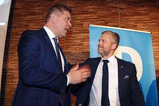 Bjarni Benediktsson, formaður Sjálfstæðisflokksins, og Eyþór Arnalds, oddviti flokksins í Reykjavík, ræða málin á kosningavöku ...