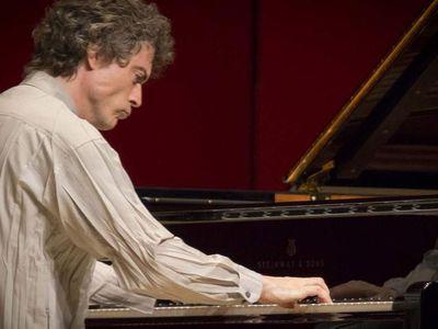 Paul Lewis in Harpa