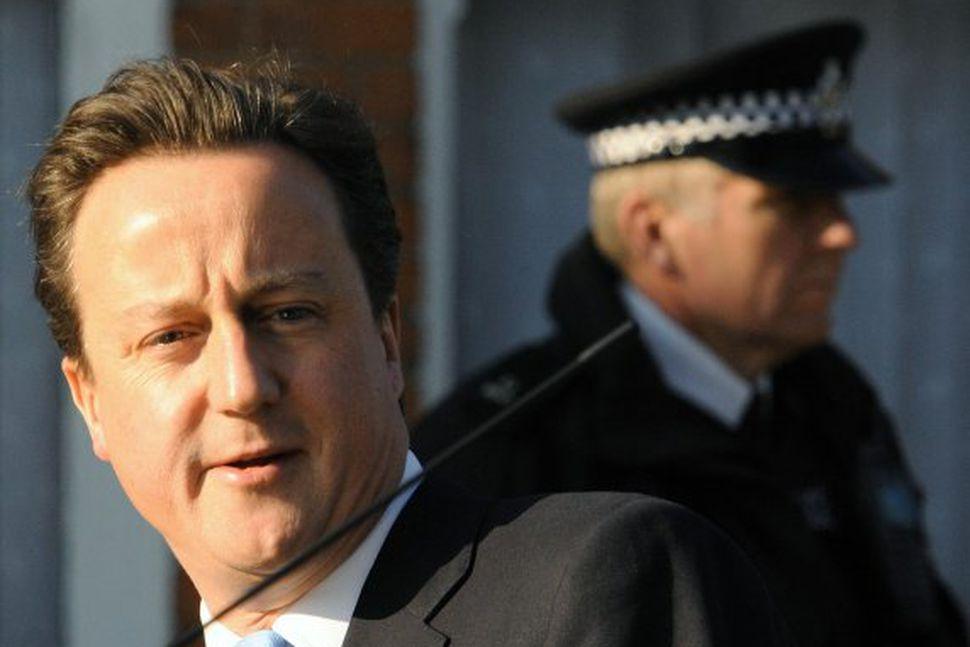 David Cameron vill láta rannsaka meintar pyntingar á grunuðum hryðjuverkamönnum ...