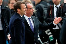 François Hollande og Emmanuel Macron fögnuðu saman í dag en 8. maí fagna Frakkar frelsi …