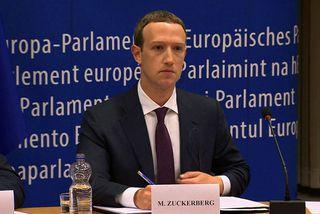 Stofnandi Facebook, Mark Zuckerberg, kom fyrir Evrópuþingið í dag.
