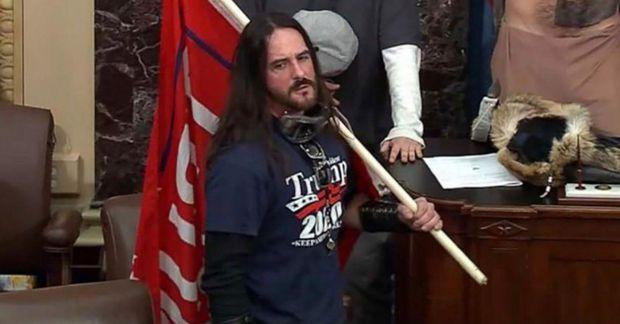 Paul Hodgkins, 38 ára kranastjóri í Tampa.