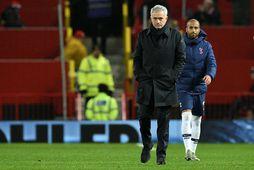 José Mourinho gengur svekktur af velli í kvöld.