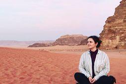 Ragnheiður Kristín í ævintýralegu landslagi í Wadi Rum í Jórdaníu.