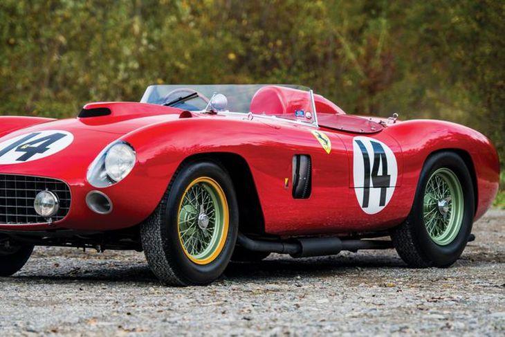 Ferrari 290MM kappakstursbíllinn dýri.