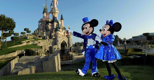 Disneyland í París er lokað.