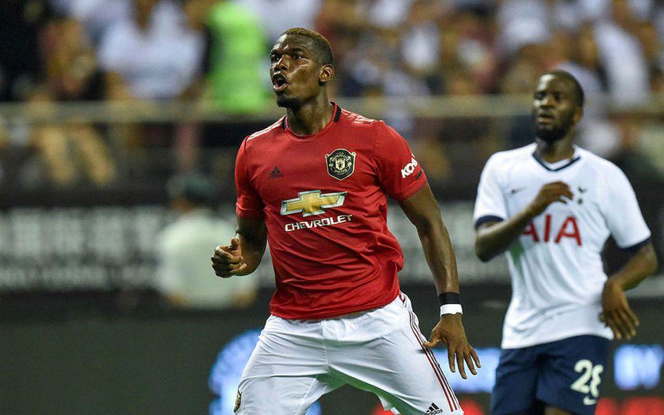 Paul Pogba er ekki á förum frá United.