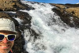 Tómas við ónefndan foss í Eyvindafjarðará.