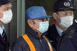 Carlos Ghosn sést hér yfirgefa fangelsið í Tókýó.
