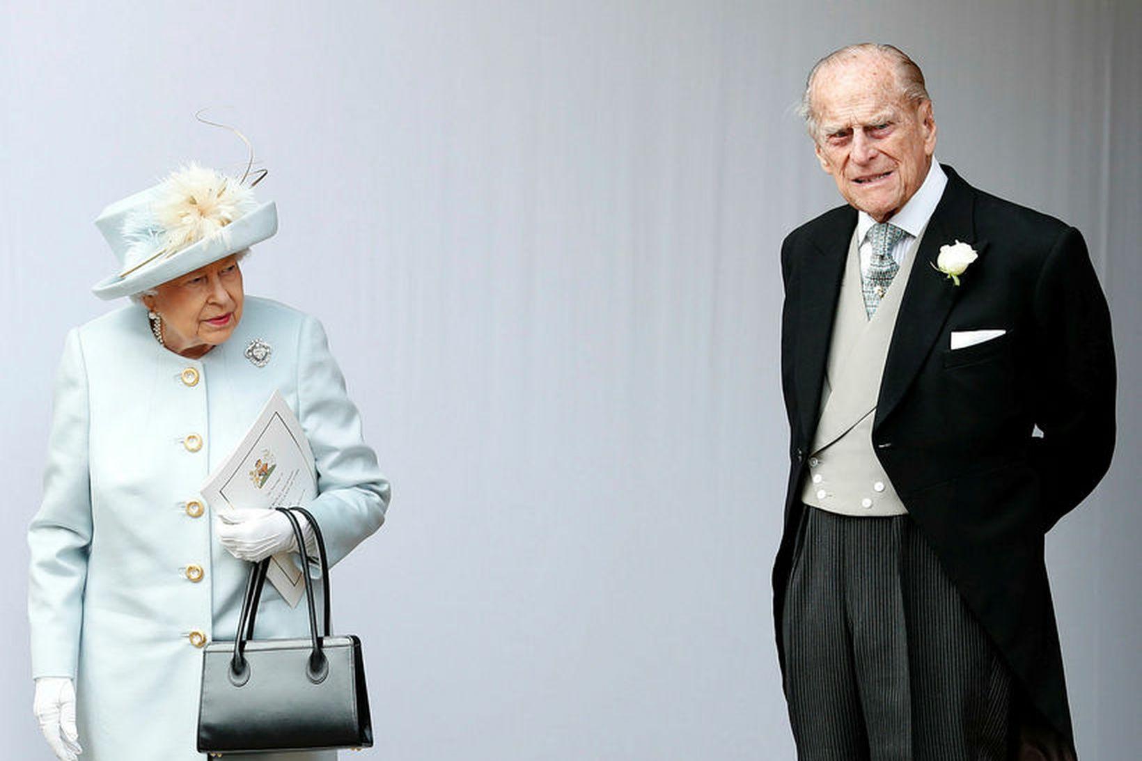 Elísabet drottning og Filippus prins eiginmaður hennar.