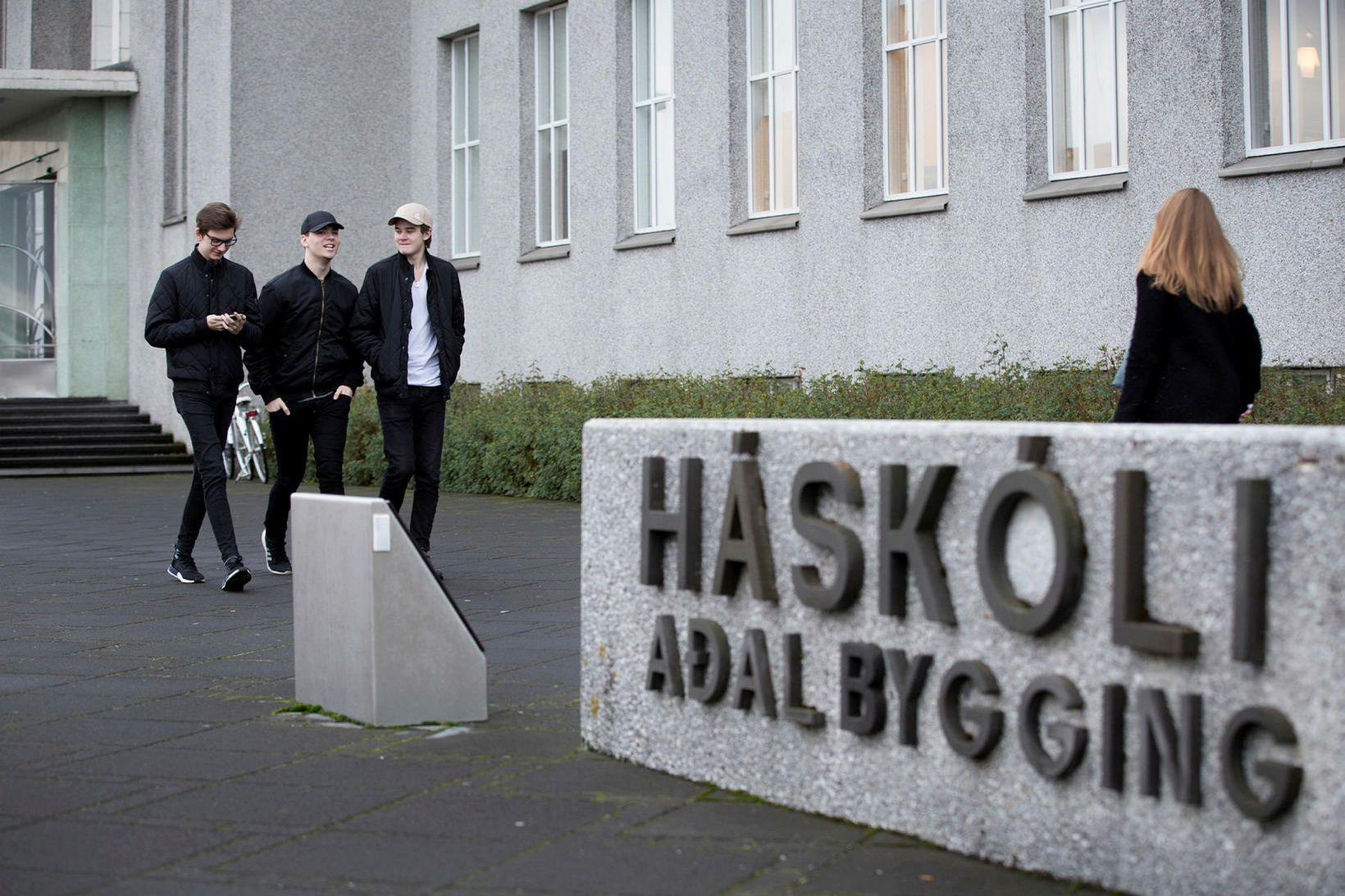 Hlutverk sjóðsins er að styrkja vísindarannsóknir og rannsóknartengt framhaldsnám á …