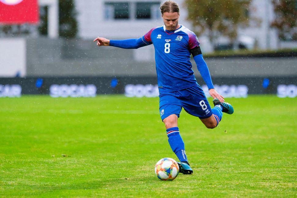 Birkir Bjarnason í leik gegn Moldóva á Laugardalsvelli í september.