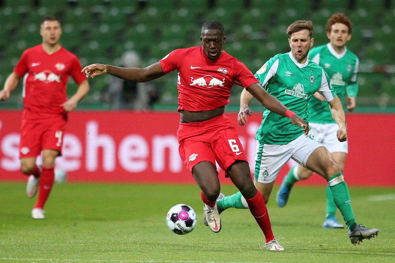 Ibrahima Konaté í leik með RB Leipzig í apríl.