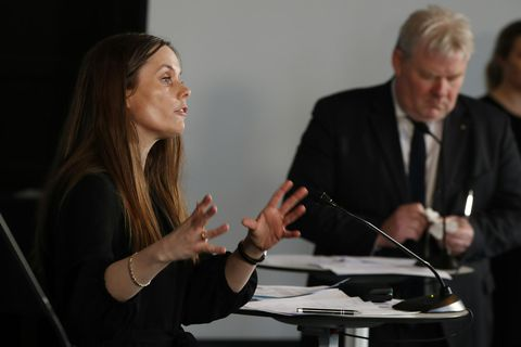 Prime Minister Katrín Jakobsdóttir and Minister of Transport and Local Government Sigurður Ingi Jóhannsson, at yesterday's press conference.