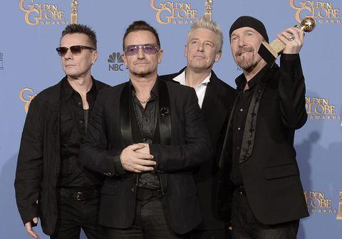 Larry Mullen Jr., Bono, Adam Clayton og The Edge eru undir indverskum áhrifum í laginu Ahimsa.