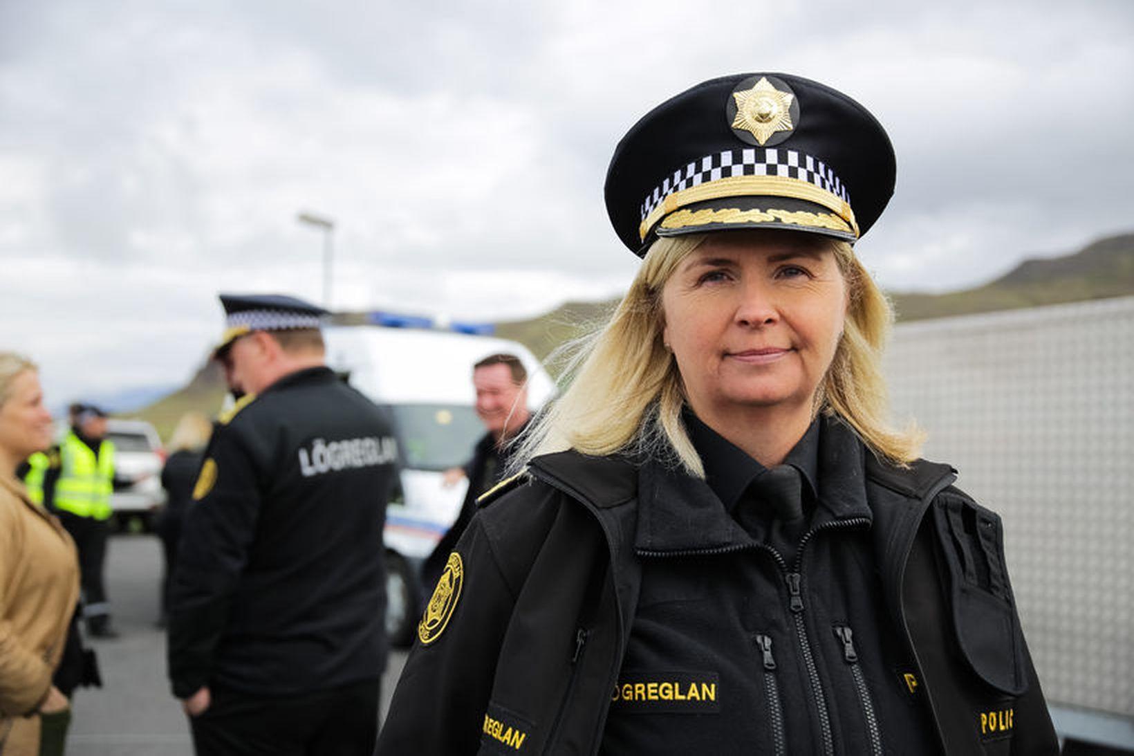 Halla Bergþóra Björnsdóttur mun taka afstöðu til þess hvort hefja …