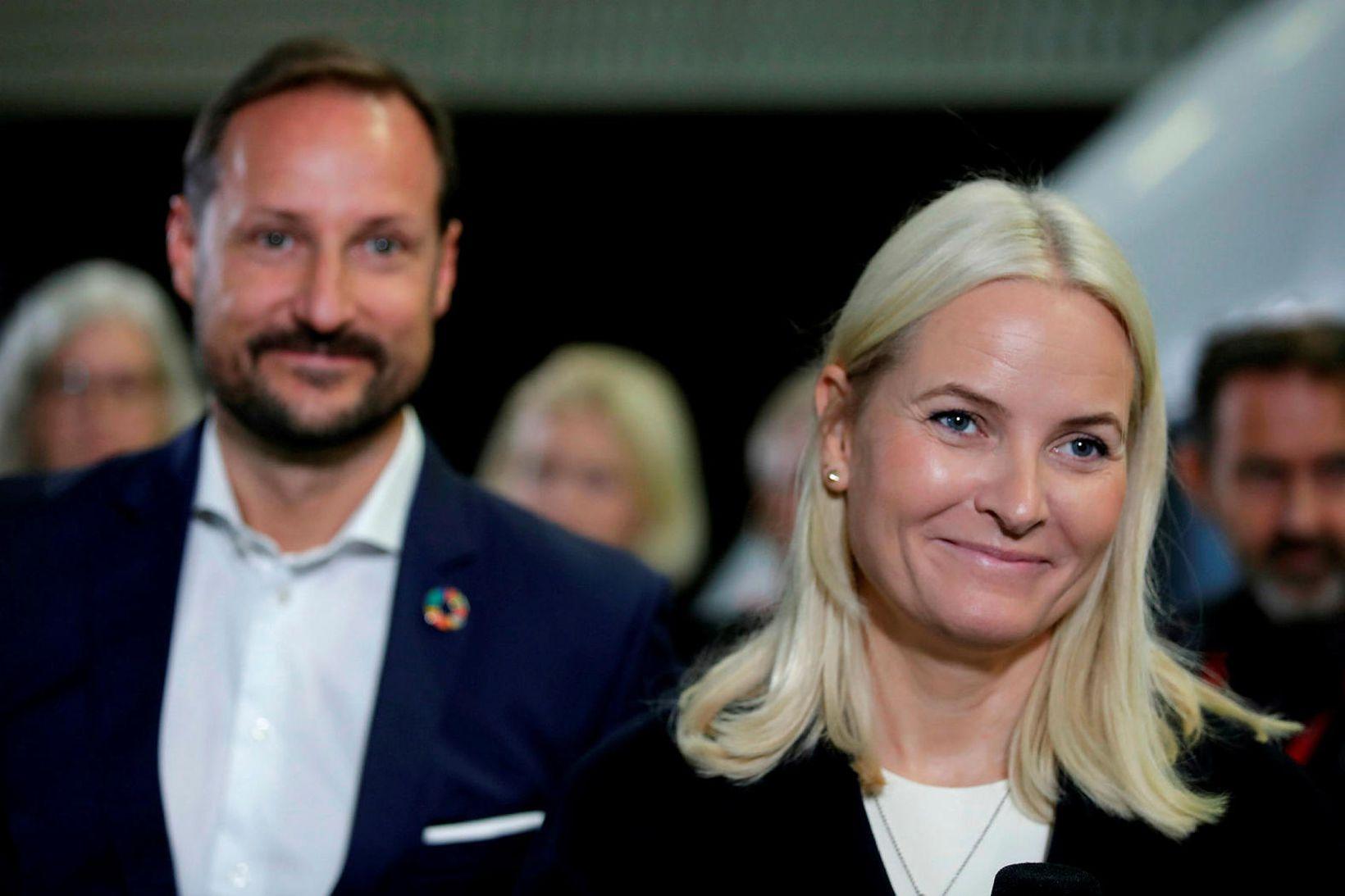 Hákon krónsprins Noregs og Mette-Marit krónsprinsessa. Mette-Marit var í samskiptum …