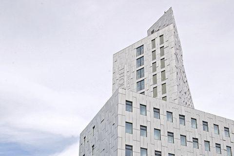 Fosshótel á Höfðatorgi er 19 hæðir og tók 20 mánuði í byggingu.