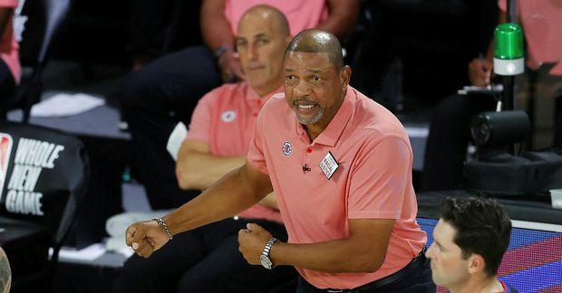 Doc Rivers á hliðarlínunni í leiknum gegn New Orleans Pelicans.
