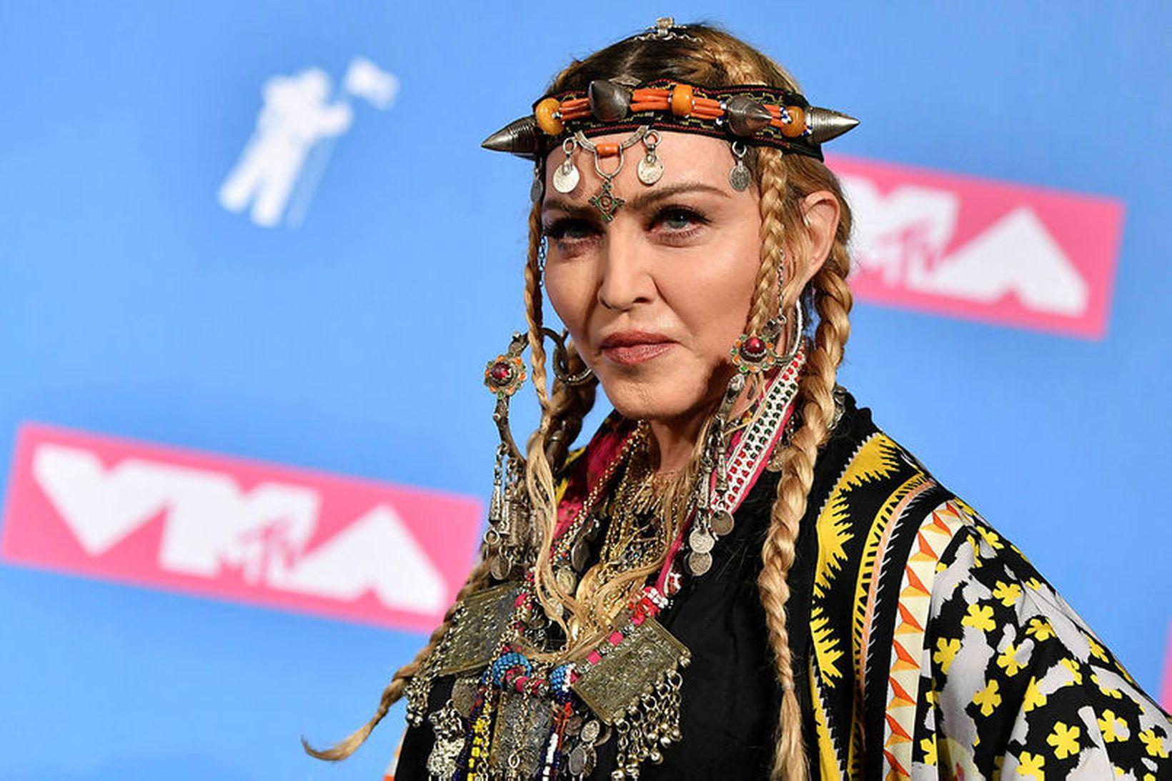 Madonna verður 62 ára um helgina.