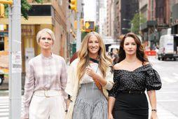Cynthia Nixon, Sarah Jessica Parker og Kristin Davis eru nú við tökur á And Just …