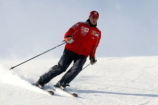 Michael Schumacher slasaðist alvarlega á skíðum fyrir rúmlega tveimur árum.