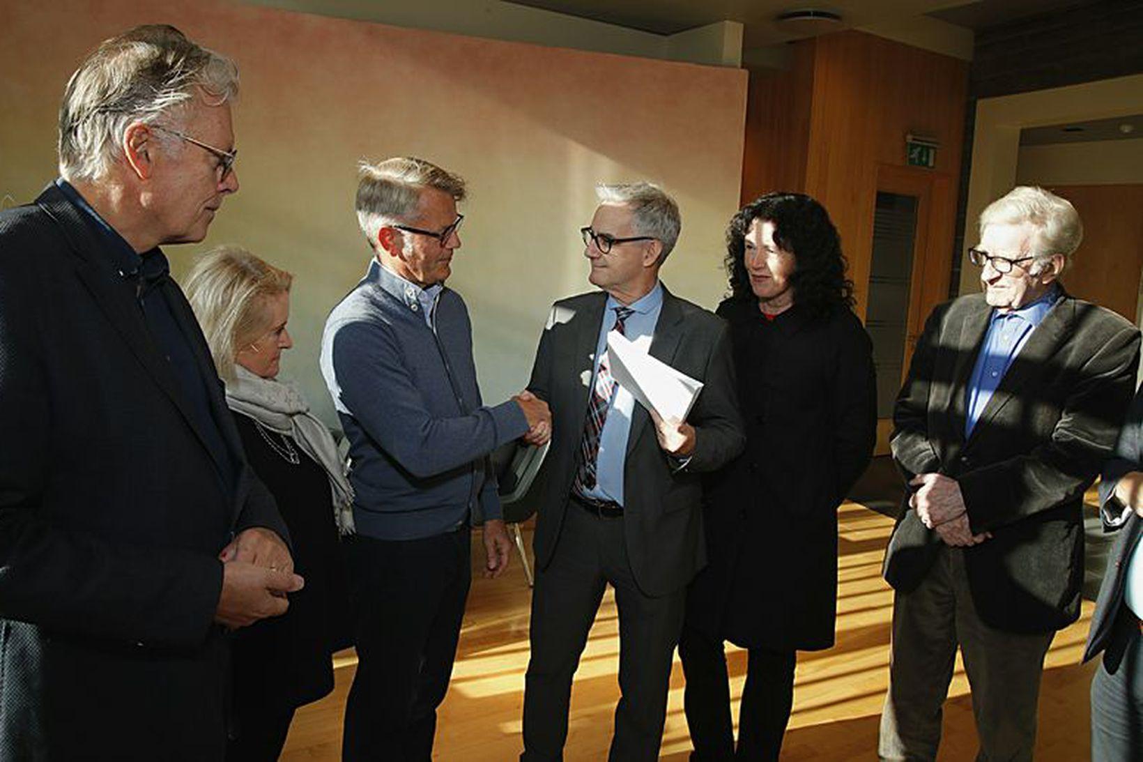 Ögmundur Jónasson, Ingibjörg Sverrisdóttir, Frosti Sigurjónsson, Guðjóns S. Brjánsson, Elinóra …