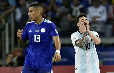 Messi náði í stig en Argentína á botninum