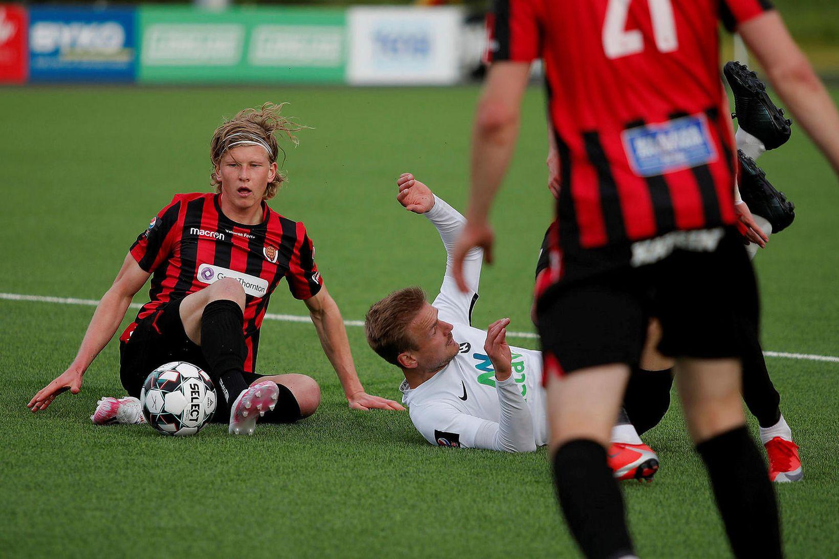 Óttar Magnús Karlsson í leiknum gegn FH í kvöld.