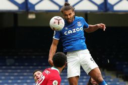 Dominic Calvert-Lewin skorar jöfnunarmark Everton í seinni hálfleik.