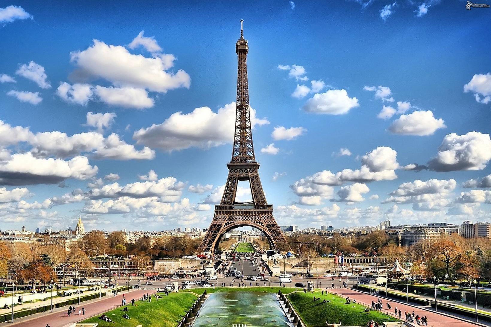 París er vinsæll áfangastaður turtildúfna á Valentínusardaginn.