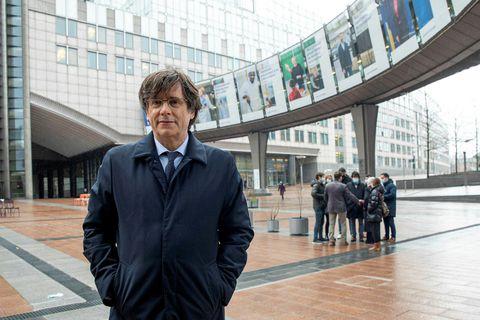 Carles Puigdemont fyrir utan Evrópuþingið, hvar hann starfar.