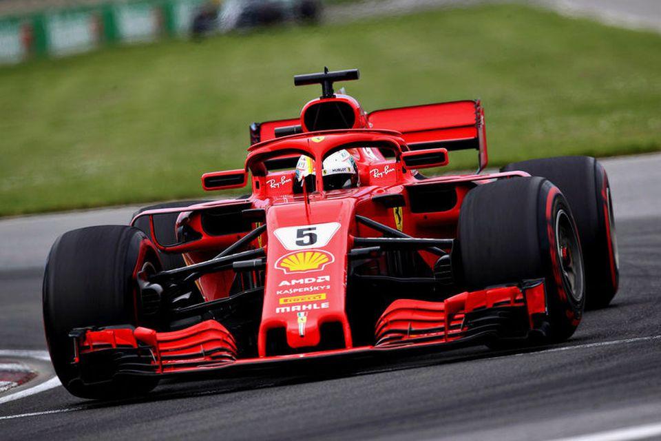 Sebastian Vettel á leið til sigurs í Montreal í dag.