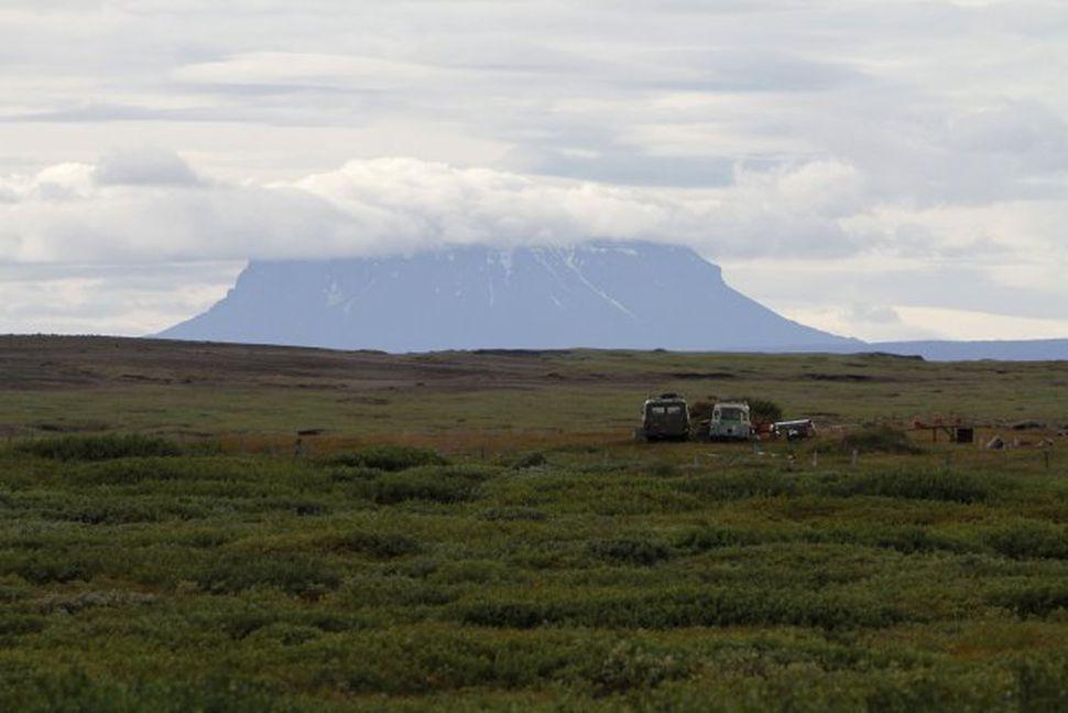 Grímsstaðir á Fjöllum. Herðubreið í baksýn.