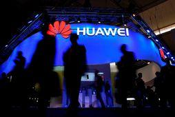 Huawei er mjög vinsæll framleiðandi í Kína en staða fyrirtækisins á vestrænum mörkuðum fer versnandi.