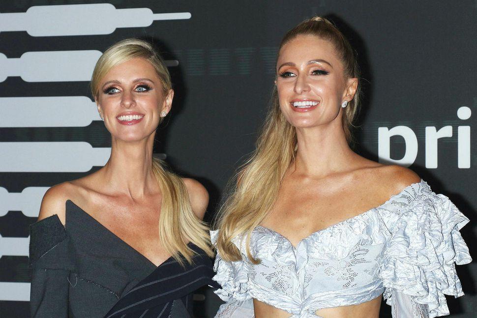 Nicky Hilton Rothschild og Paris Hilton.