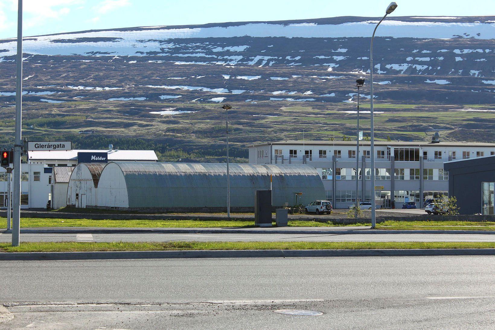 Verslun Krónunnar verður á svonefndum Hvannavallareit.