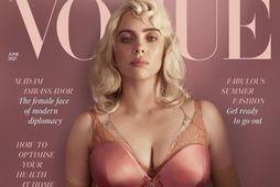 Billie Eilish prýðir forsíðu breska Vogue í júní.