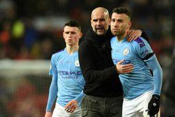 Englandsmeistarar Manchester City þurfa að taka á sig launalækkun.