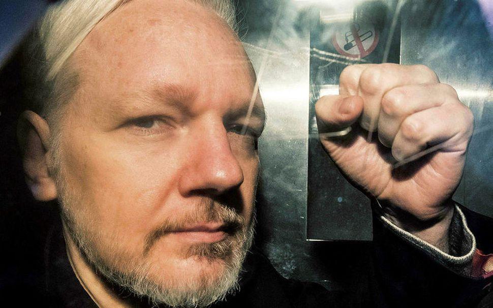 Julian Assange, stofnandi WikiLeaks. Hann var sakaður um nauðgun í ...