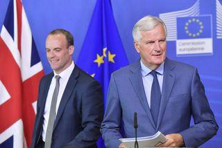 Dominic Raab og Michael Barnier á blaðamannafundinum í Brussel í lok ágúst.