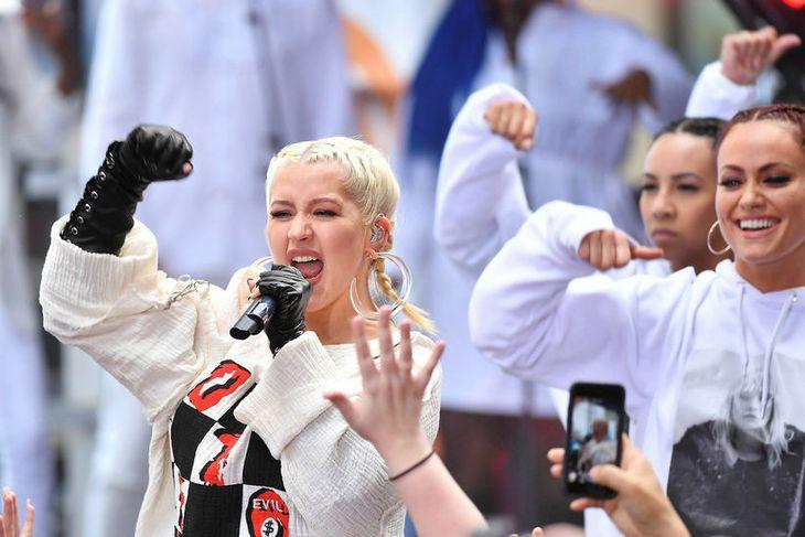 Christina Aguilera treður upp á tónleikum í New York City 15. júní sl.