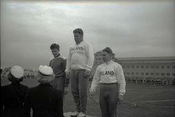 Úr landskeppni Íslands og Danmerkur á Melavelli 1950. Gunnar Huseby á efsta palli.