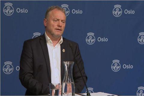 Raymond Johansen kynnir enn eitt sóttvarnaátakið fyrir Óslóarbúum á blaðamannafundinum í kvöld.