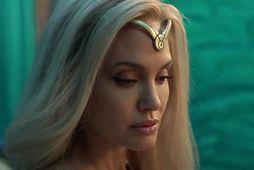 Angelina Jolie er ljóshærð og geislandi í nýju Marvel ofurhetjumyndinni Eternals.