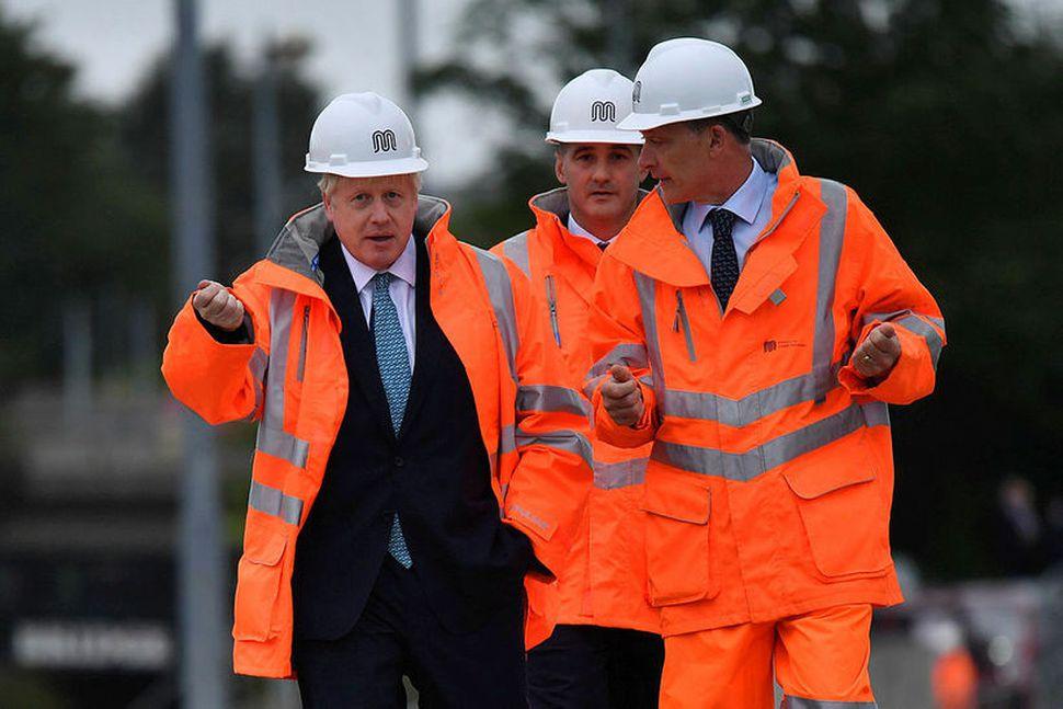 Boris Johnson, forsætisráðherra Bretlands, heimsótti Manchester í dag og lofaði ...