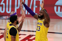 Samherjarnir LeBron James og Anthony Davis eru báðir í fimm manna byrjunarliði NBA.