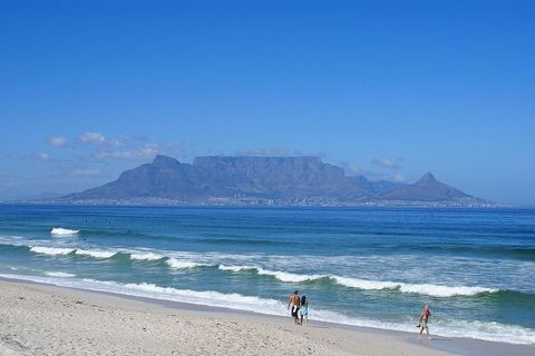 Table mountain is a popular mountain to climb and offers amazing vews of Cape Town.