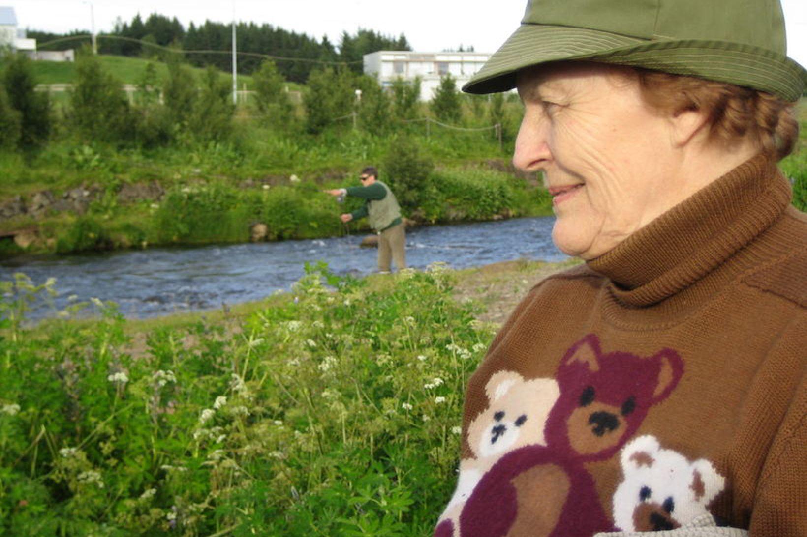 Guðrún E. Thorlacíus var í dag sæmd gullmerki Stangaveiðifélags Reykjavíkur. …